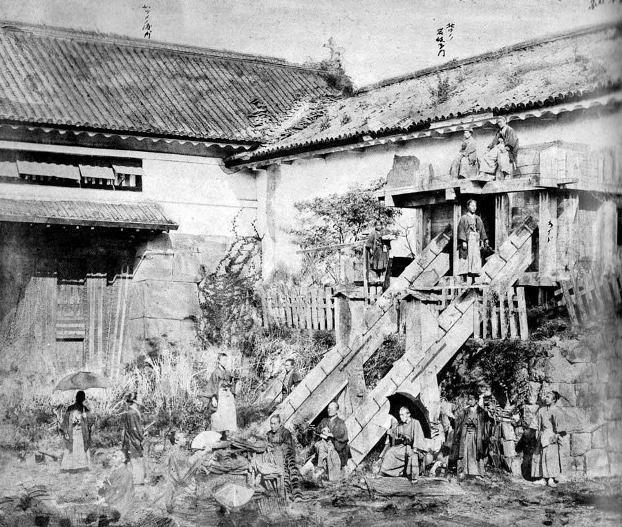 古写真:北桔橋門枡形の様子。