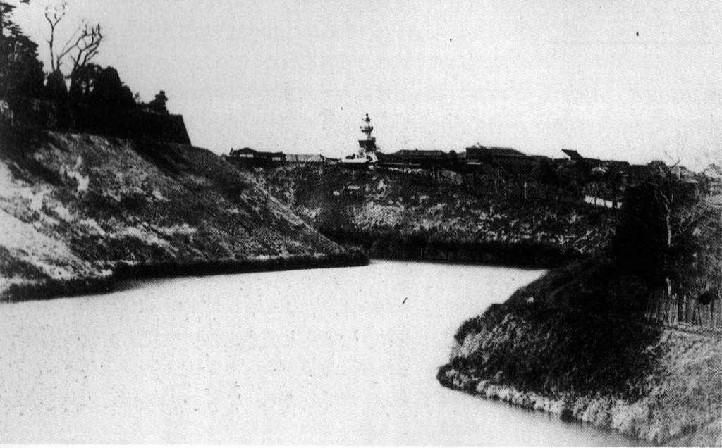 古写真:牛ヶ淵方面から見た九段坂
