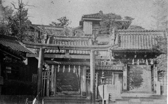 古写真:筑土神社と筑土八幡