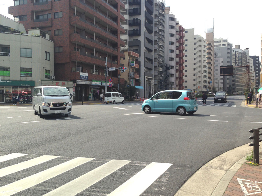 現在の伝通院前交差点