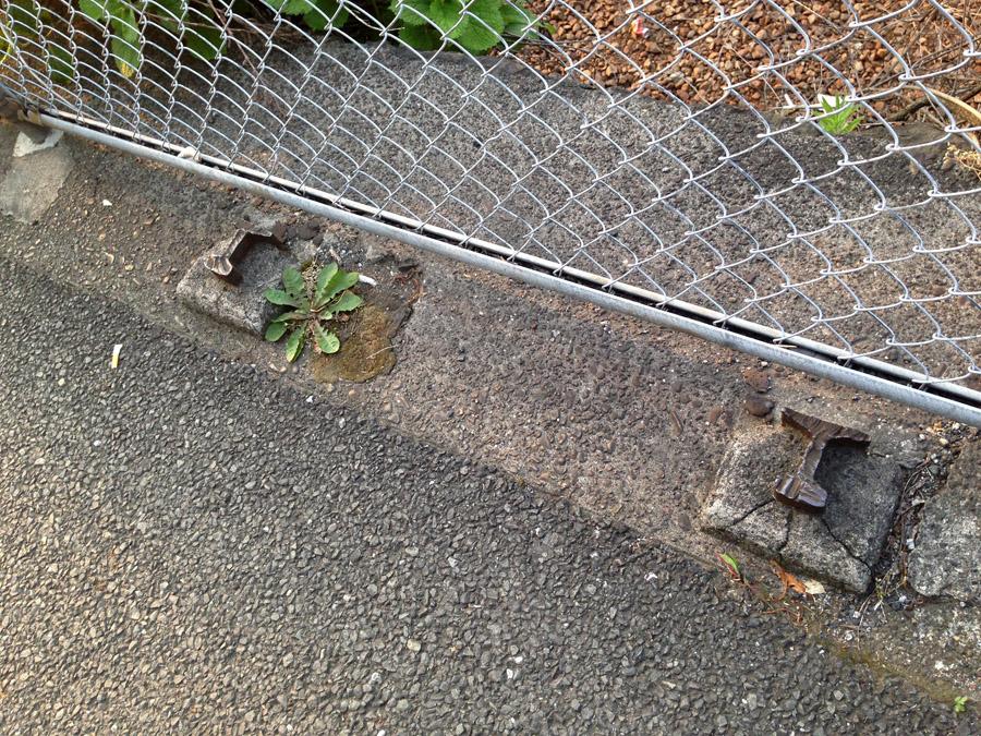 レール製フェンス跡