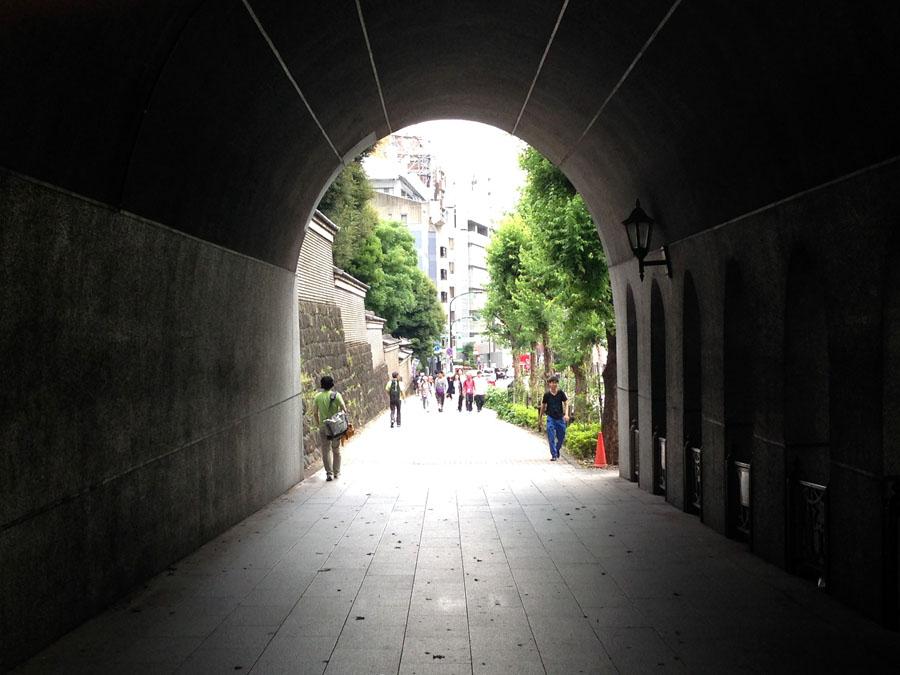 聖橋下から