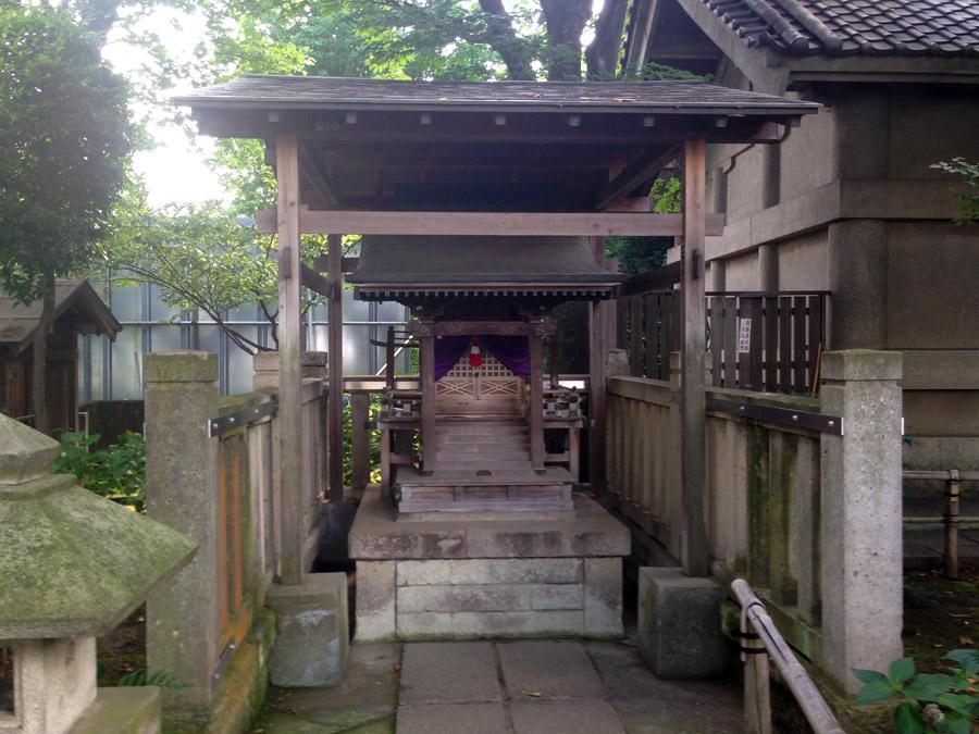 七社合祀の祠
