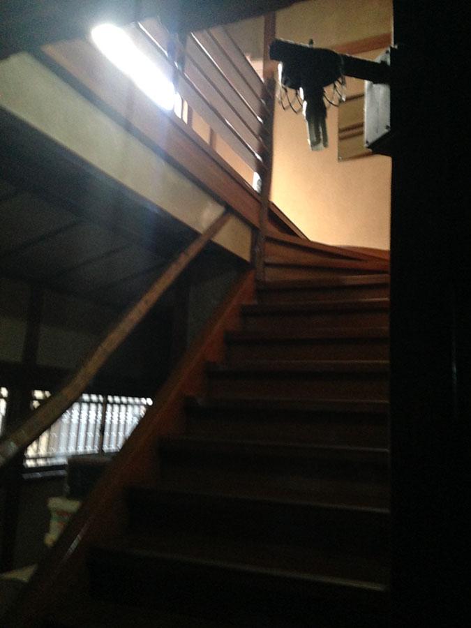 朝陽館本家階段