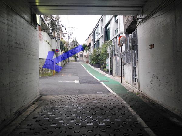 隧道から切支丹屋敷入口