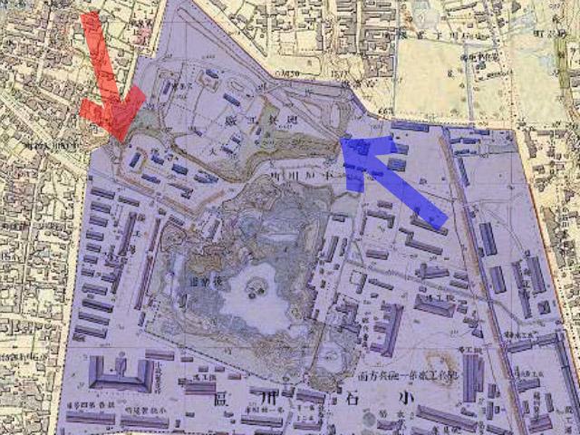 古地図:明治9-17年(1876-84年)5千分の1東京図測量原図より赤矢印が今回露出した謎のトンネル、青矢印がライフル射撃場トンネル入口