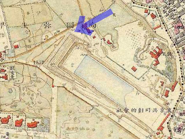 古地図:東京共同射的会社と「弥生土器ゆかりの地」の碑の位置関係。