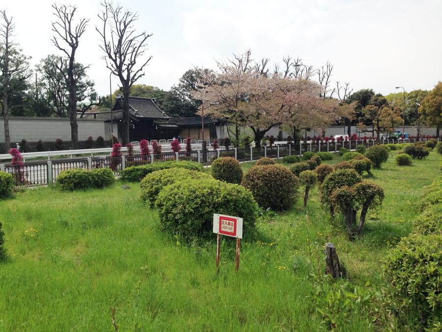 赤坂仮御所の東門