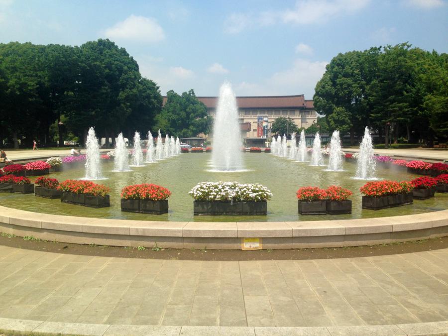 寛永寺本坊があった国立美術館。手前の噴水辺りに根本中堂があった。