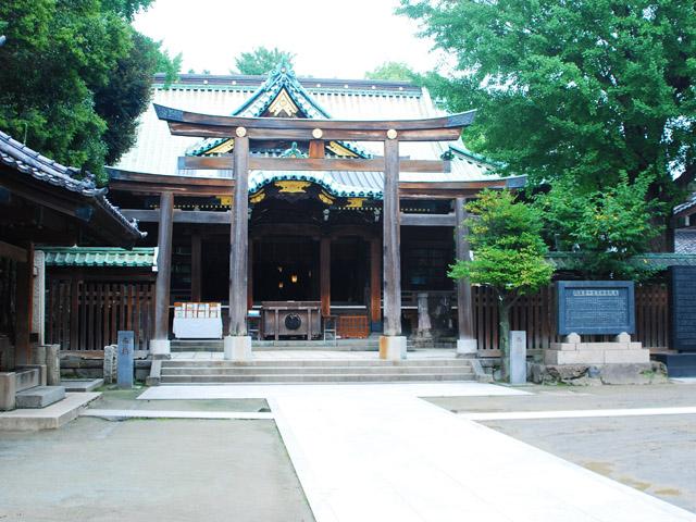 勝海舟が子供の頃毎日、境内で剣の稽古(自主練)をしたと云う牛島神社。