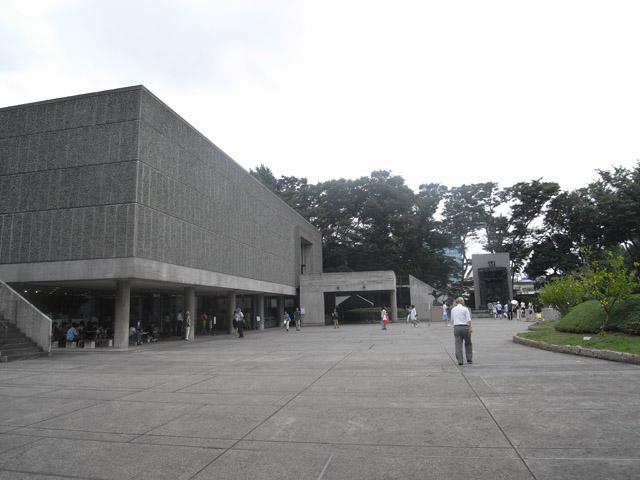 屏風坂、車坂方面はJR上野駅公園口、現在、科学博物館、西洋美術館、東京文化会館が建っています。
