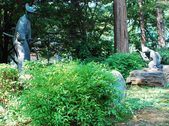 新宿中央公園「久遠の像」