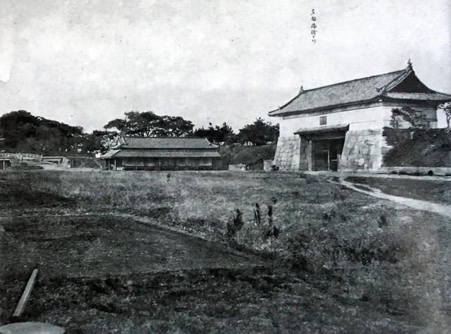 維新直後の古写真:呉服橋