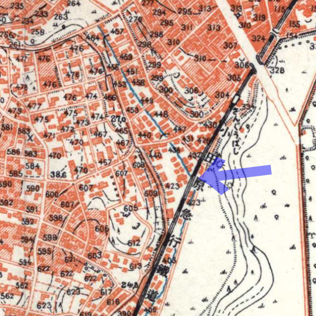 古地図:昭和3-11年(1928-36年)1万分の1地形図より小田急線をくぐる河骨川。