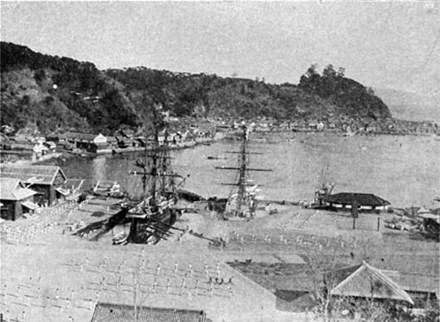 明治初期の横須賀造船所。