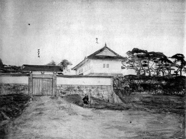 維新直後の古写真:田安門。