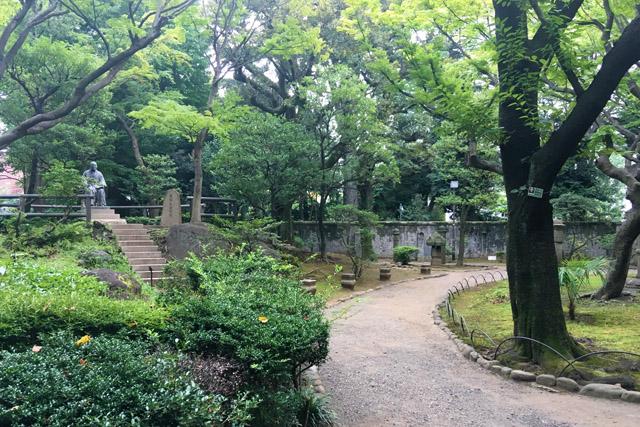 高橋是清像が建つ高橋是清記念公園