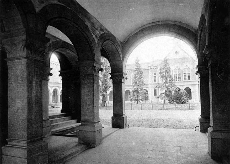 明治三十三年(1900年)頃の工科大学。