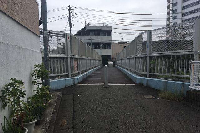 白金桟道橋