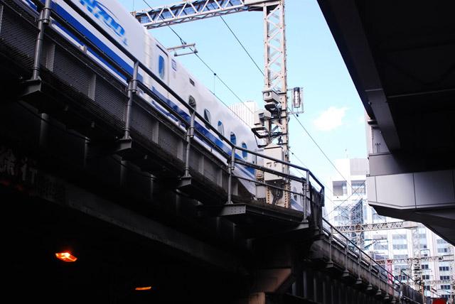 幸町あたりの新幹線