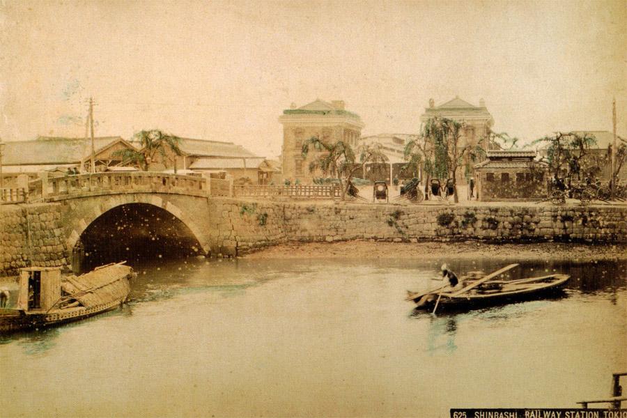 古写真:明治十年(1877年)頃の新橋駅