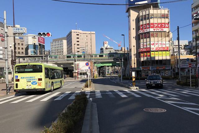 大塚駅前。